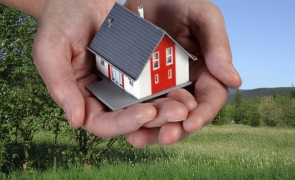 Собственный загородный дом: что лучше — купить или построить?