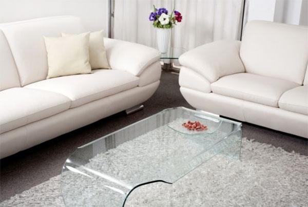Кожаные диваны: главные достоинства