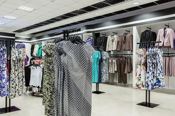 Торговая мебель для магазинов одежды: основные виды