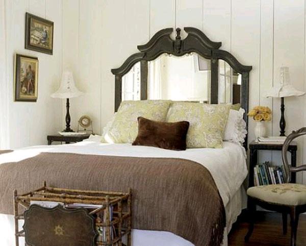 Зеркало в спальне – новая идея