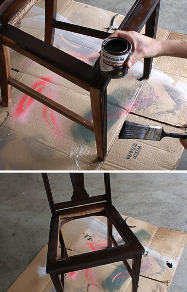 Ремонт старого стула с помощью кожаных ремней