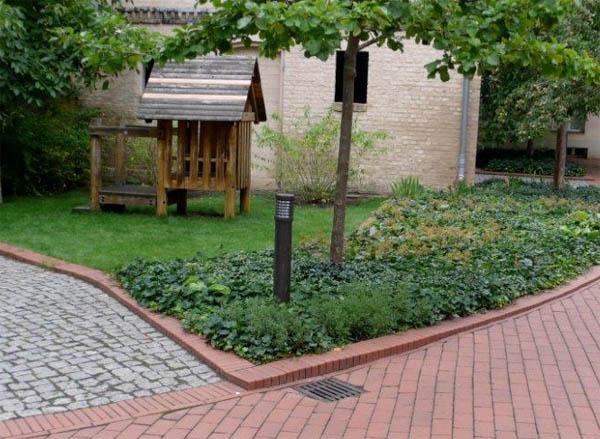 Поребрик: виды, применение в садово-парковом дизайне