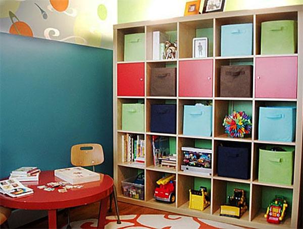 Выбираем стеллаж для детской комнаты
