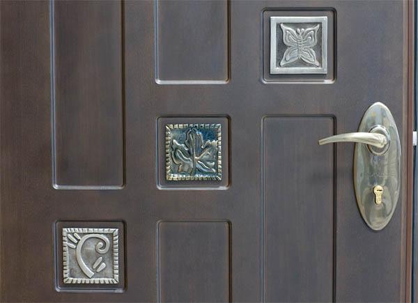 Как выбрать металлическую дверь: основные критерии и характеристики