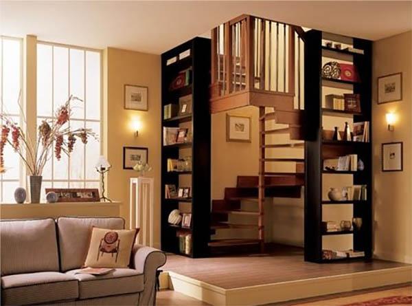 Деревянные лестницы в загородном доме