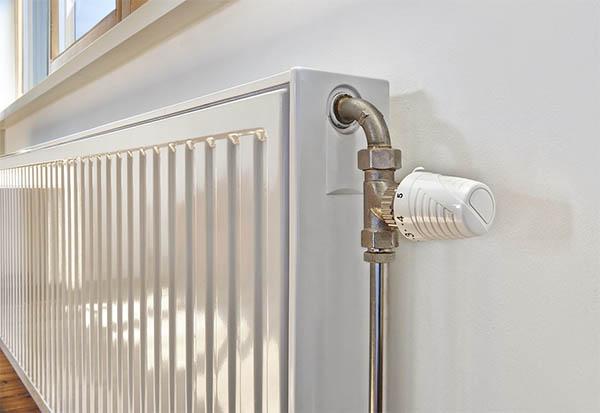 Как выбрать батареи в квартиру: виды и характеристики радиаторов отопления