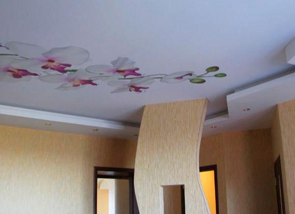 Тканевые натяжные потолки: особенности и преимущества